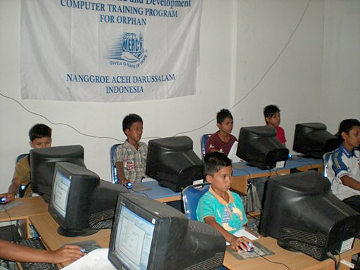 IndonesiaOrphanComputerTraining